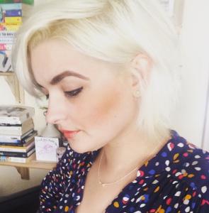 Short White Blonde Hair style
